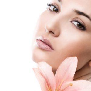 Tu te bats avec la peau brillante? Il s'agit d'acné et d'acné sur le front et le nez?