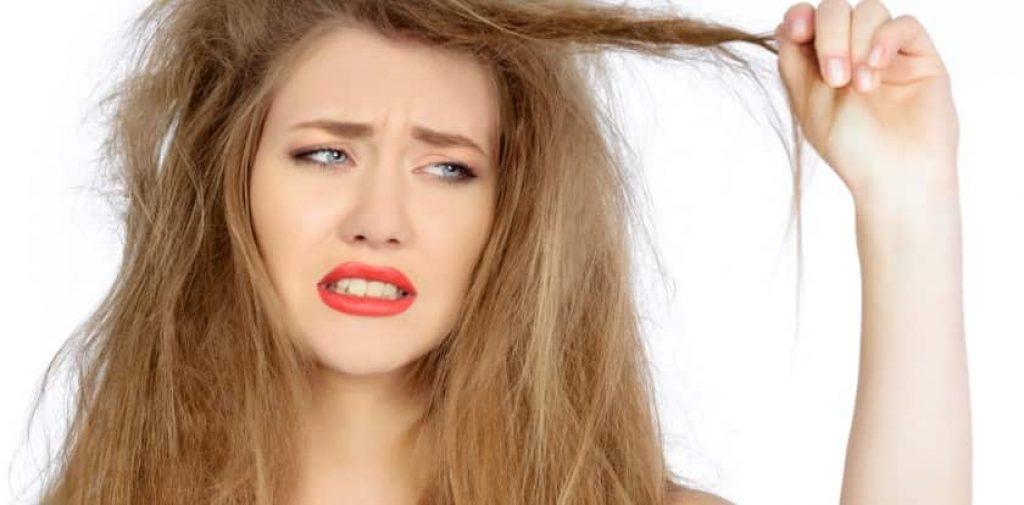 Les soins appropriés commencent par un lavage doux des cheveux