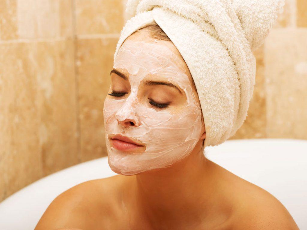 Nettoyage de la peau très soigneusement