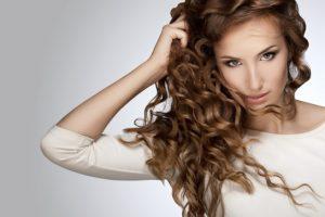Vous pouvez obtenir de beaux cheveux leur česaním?